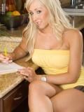Big Tits Blonde Bimbo Jessica Lynn Toys Her Twat in the Kitchen 01
