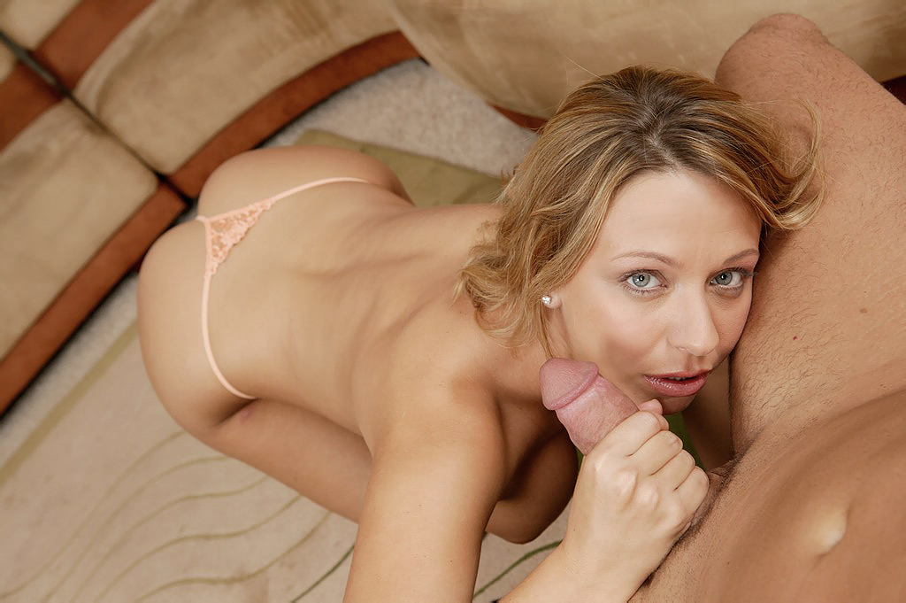 Sexy Blonde Coed Brianna Beach Jerks Cock Like A Pro  Hd -5304